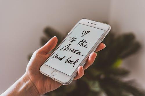 Fotos de stock gratuitas de amor, aplicación, artilugio, caligrafía