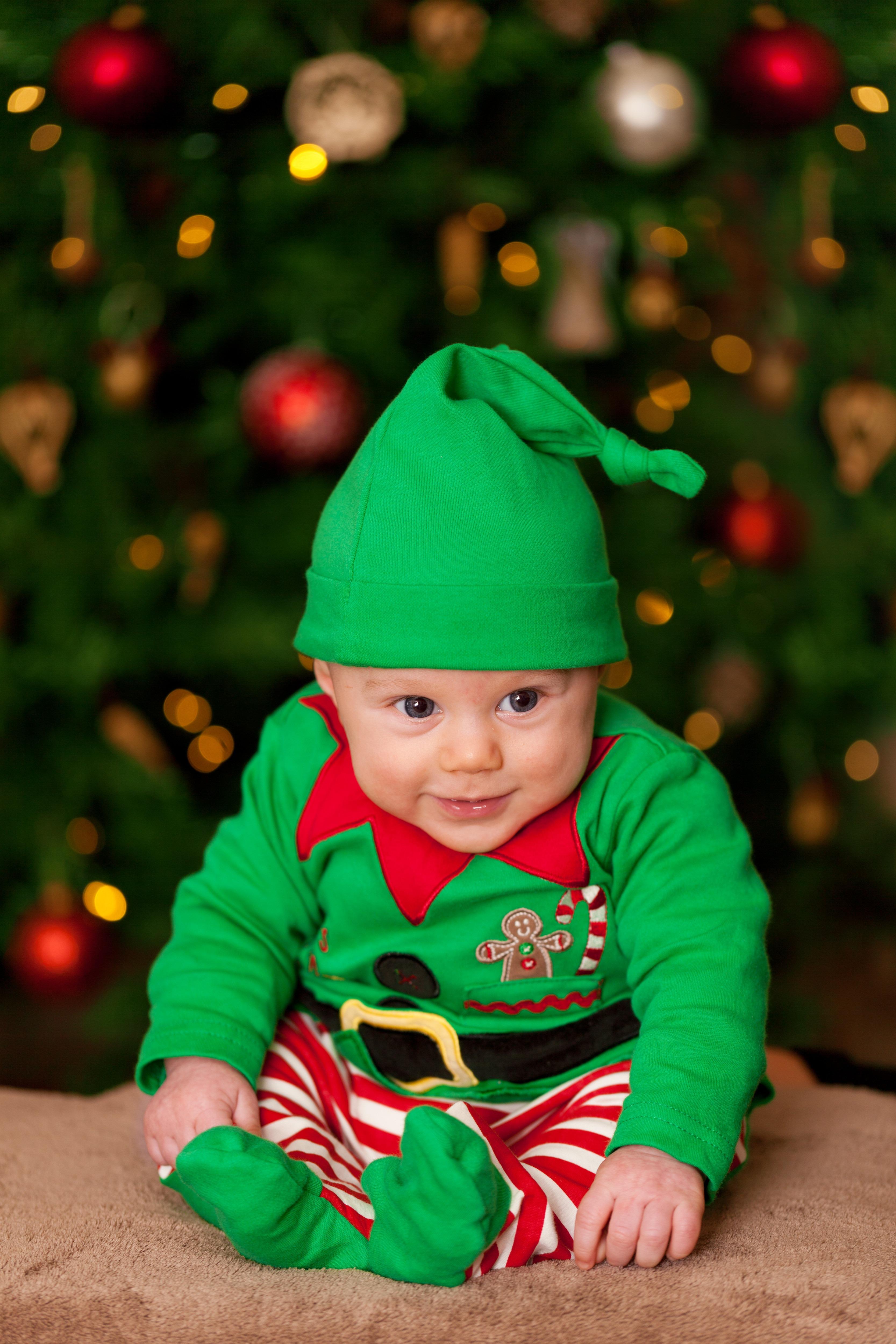 baby-boy-child-christmas-41173.jpeg