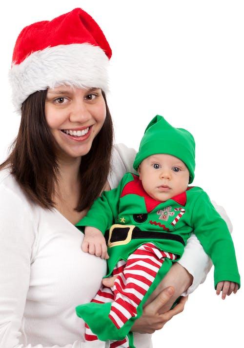 Gratis stockfoto met baby, glimlach, hoeden, jongen