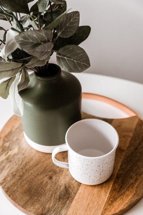 Fotobanka sbezplatnými fotkami na tému aromaterapia, biela, čaj, doska na krájanie