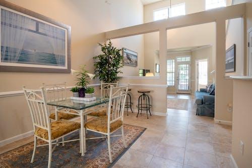 Photos gratuites de à l'intérieur, appartement, architecture, canapé