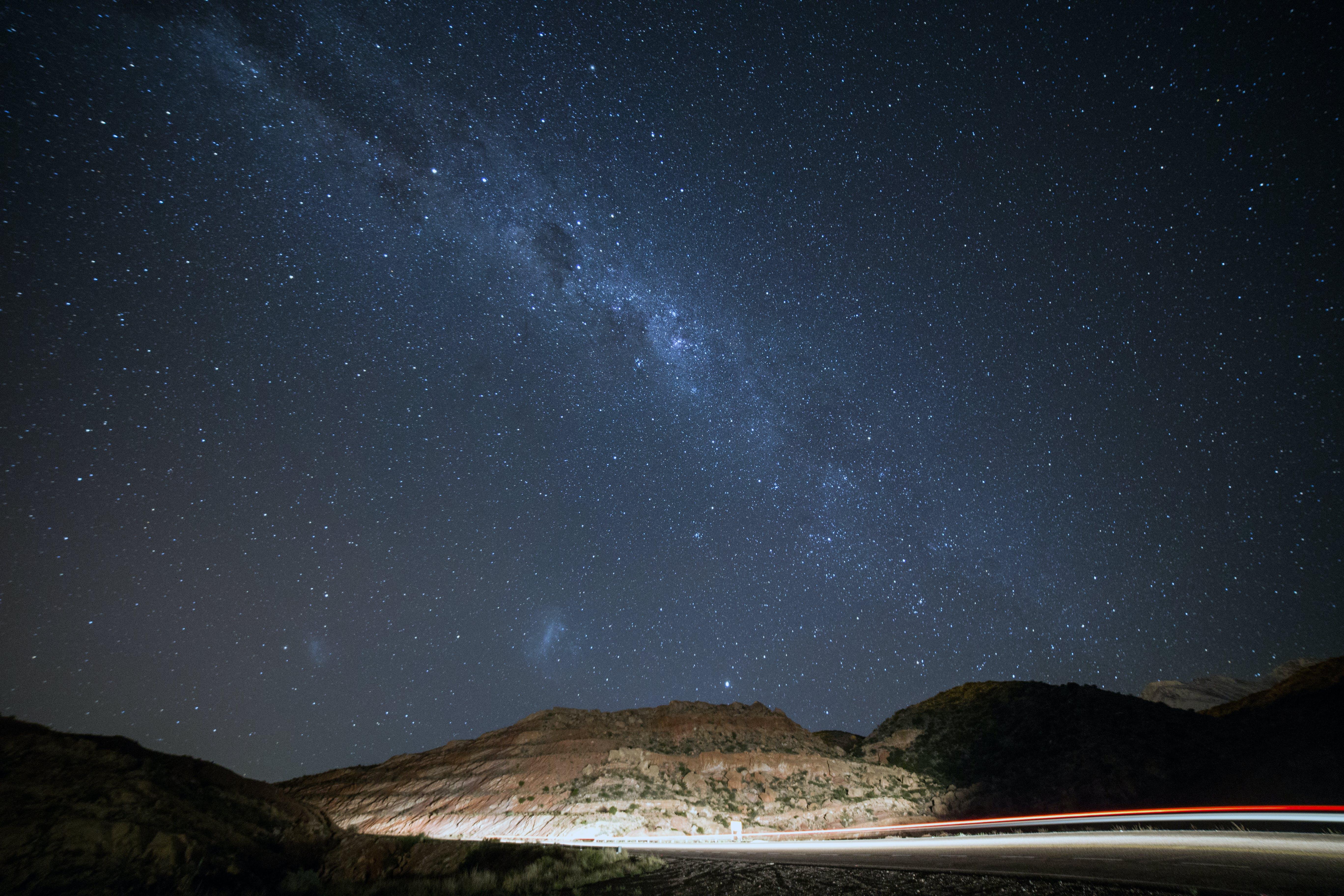 Бесплатное стоковое фото с Астрология, Астрономия, вечер, горы