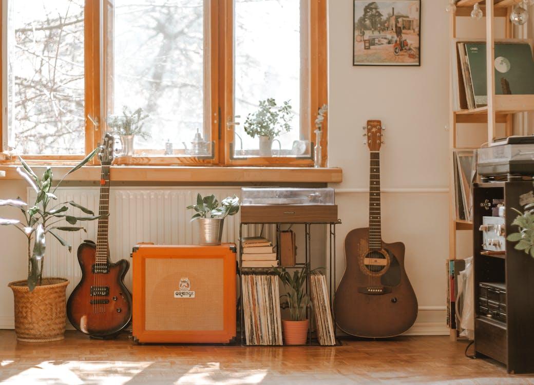 Бесплатное стоковое фото с акустический, безмятежный, в помещении
