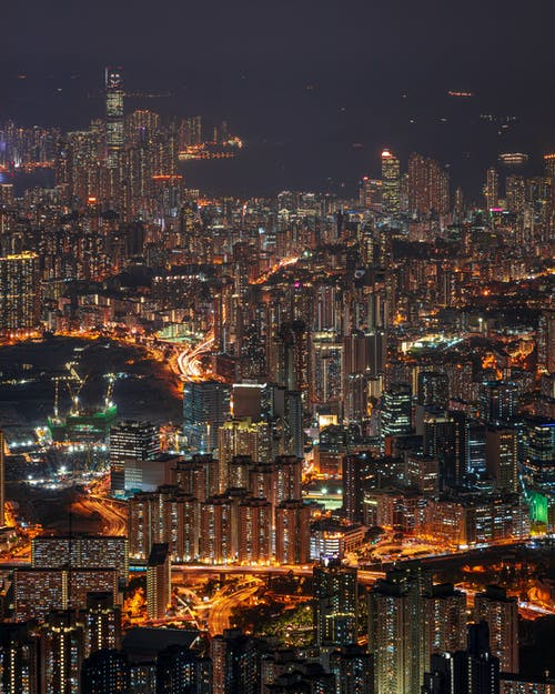 Immagine gratuita di architettura, centro città, città, città di notte