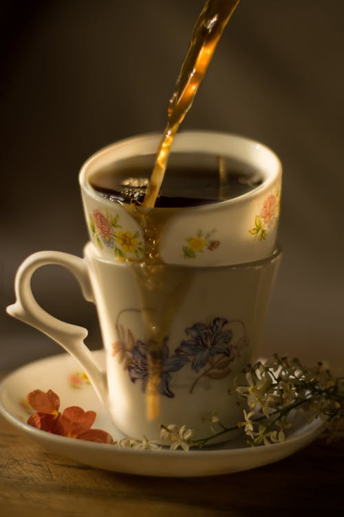 Kostenloses Stock Foto zu becher, gießen, heiß, kaffee