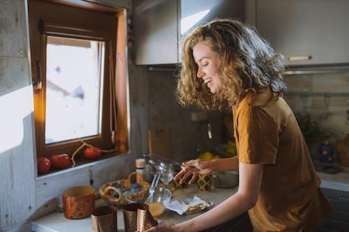кекс, кудрявая девушка, пасха의 무료 스톡 사진
