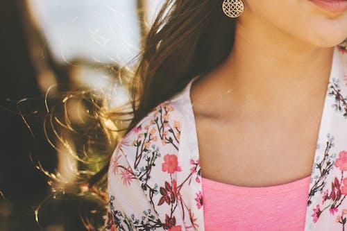 Бесплатное стоковое фото с волос, вьющиеся волосы, гламур, губы