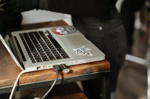 Foto profissional grátis de close, computador portátil, detalhe, detalhe tiro