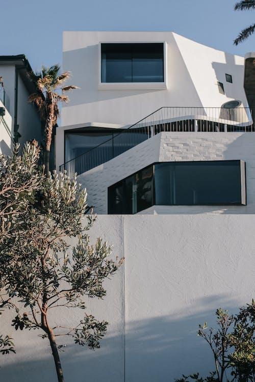 Fotobanka sbezplatnými fotkami na tému architektúra, biele steny, budova
