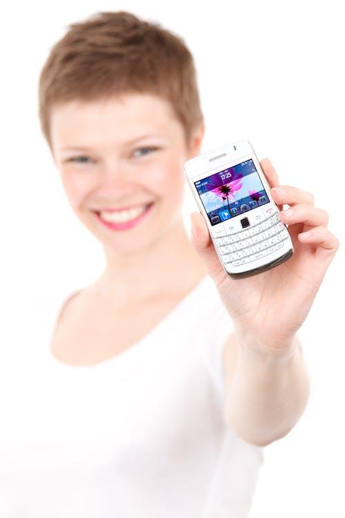 Immagine gratuita di blackberry, donna, femmina, giovane