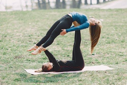 Ilmainen kuvapankkikuva tunnisteilla acro-jooga, aktiivisuus, asana, asento