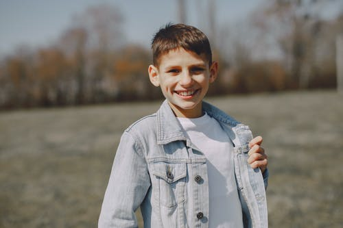 Imagine de stoc gratuită din adolescent, băiat, blugi, bucură