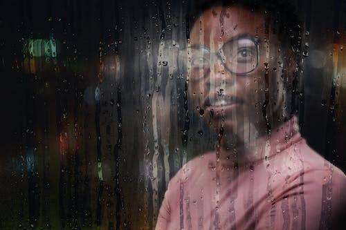 Základová fotografie zdarma na téma černoška, deštivá noc, deštivé počasí, deštivý den