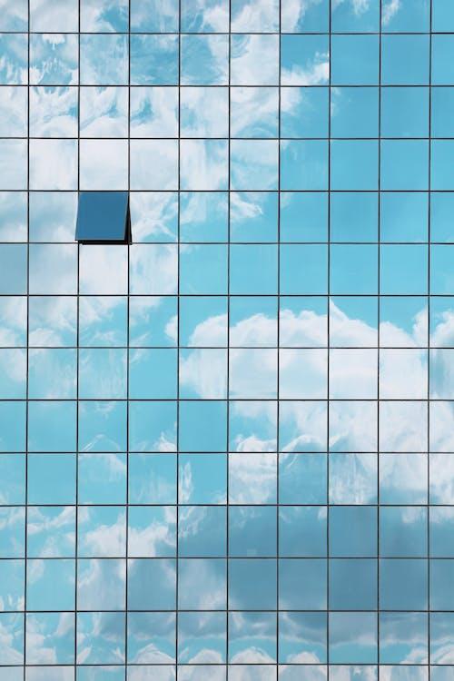 Ảnh lưu trữ miễn phí về bầu trời, các cửa sổ, mặt tiền, những đám mây