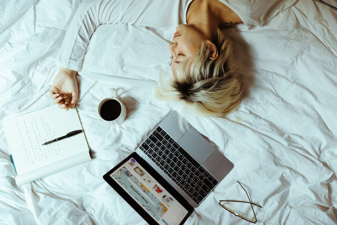 Immagine gratuita di addormentato, alunno, appartamento