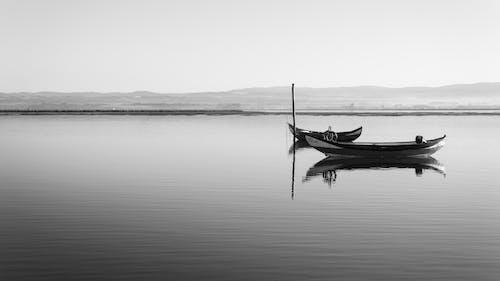 Fotos de stock gratuitas de agua, armonía, barca