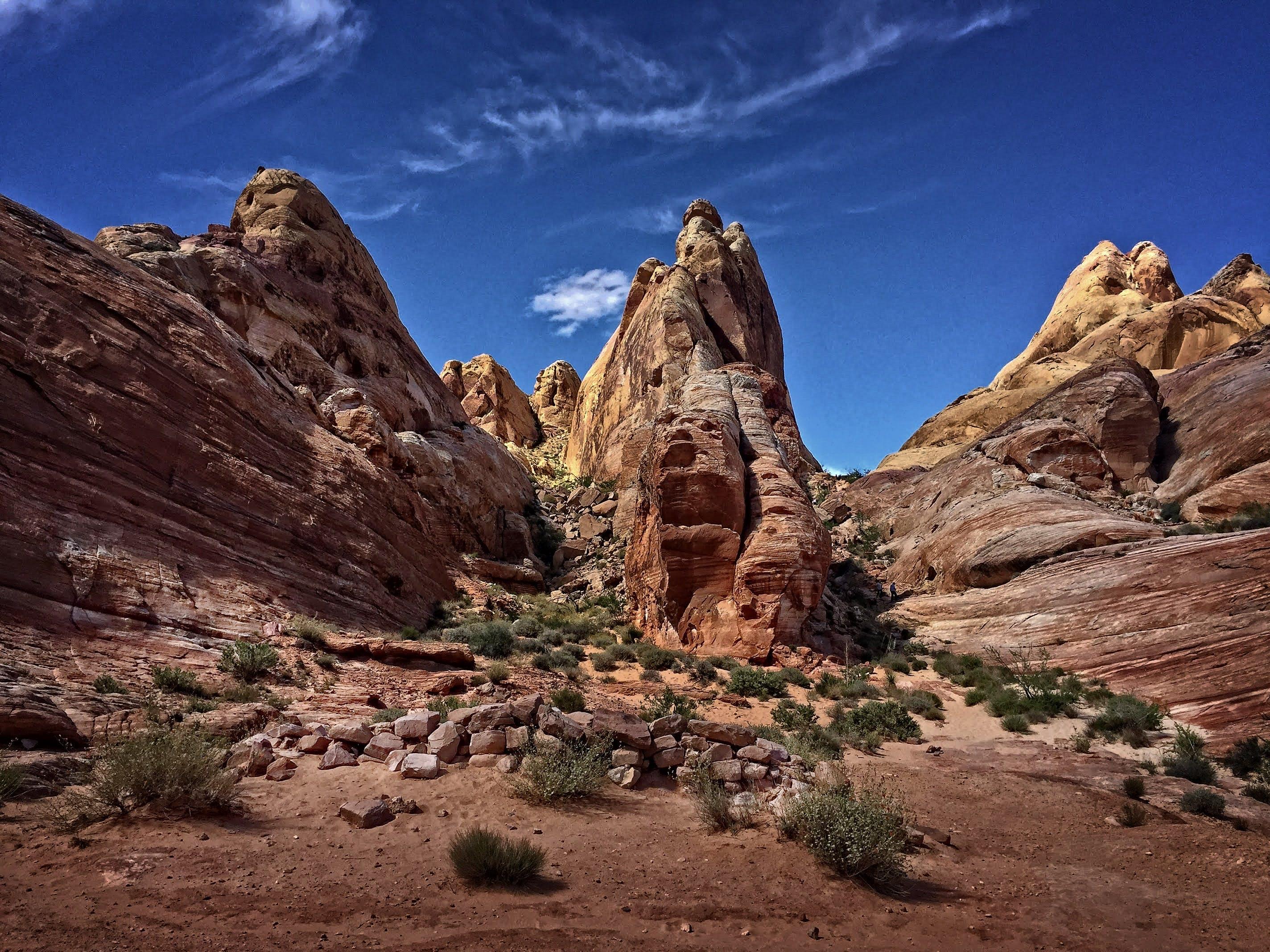Kostenloses Stock Foto zu berg, blauer himmel, canyon, felsen