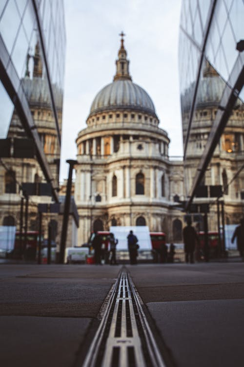 Free stock photo of city tour, historic architecture, Historic Building, reflection