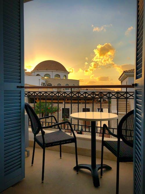balkon, cam, dikey atış içeren Ücretsiz stok fotoğraf