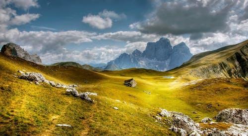 Бесплатное стоковое фото с Альпийский, высокий, голубой, гора