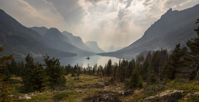 Mountain pictures pexels free stock photos for Find a landscaper