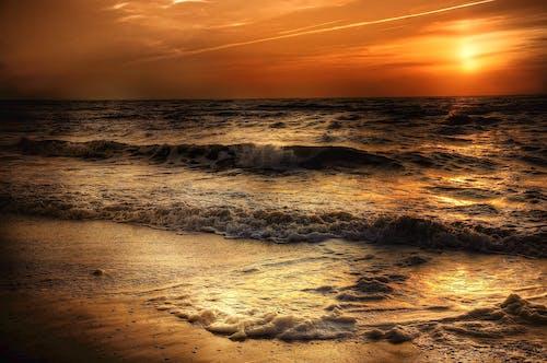 Foto profissional grátis de água, alvorecer, areia, atmosférico