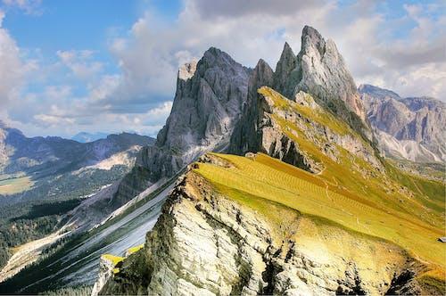 Kostenloses Stock Foto zu berg, berge, gipfel, landschaft