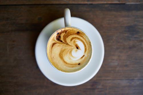 Ilmainen kuvapankkikuva tunnisteilla kahvi, keraaminen, keskittyminen, kuppi