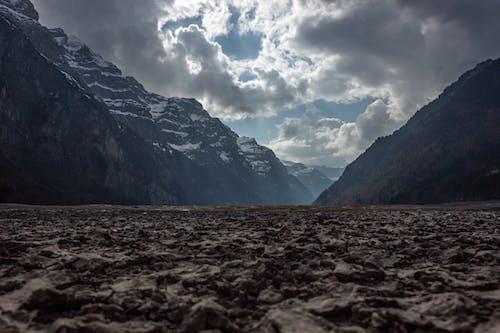 Photos gratuites de bauschige wolken, dürr, dürre, gebirgslandschaften