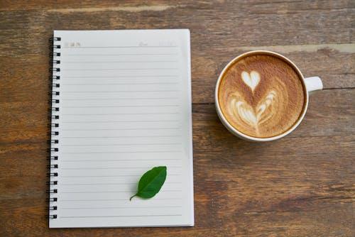 Základová fotografie zdarma na téma blok, caffè latte, caffè latte art, dokument