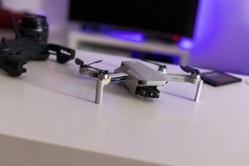 Free stock photo of attrezzatura fotografica, attrezzature fotografiche, controller drone, desktop