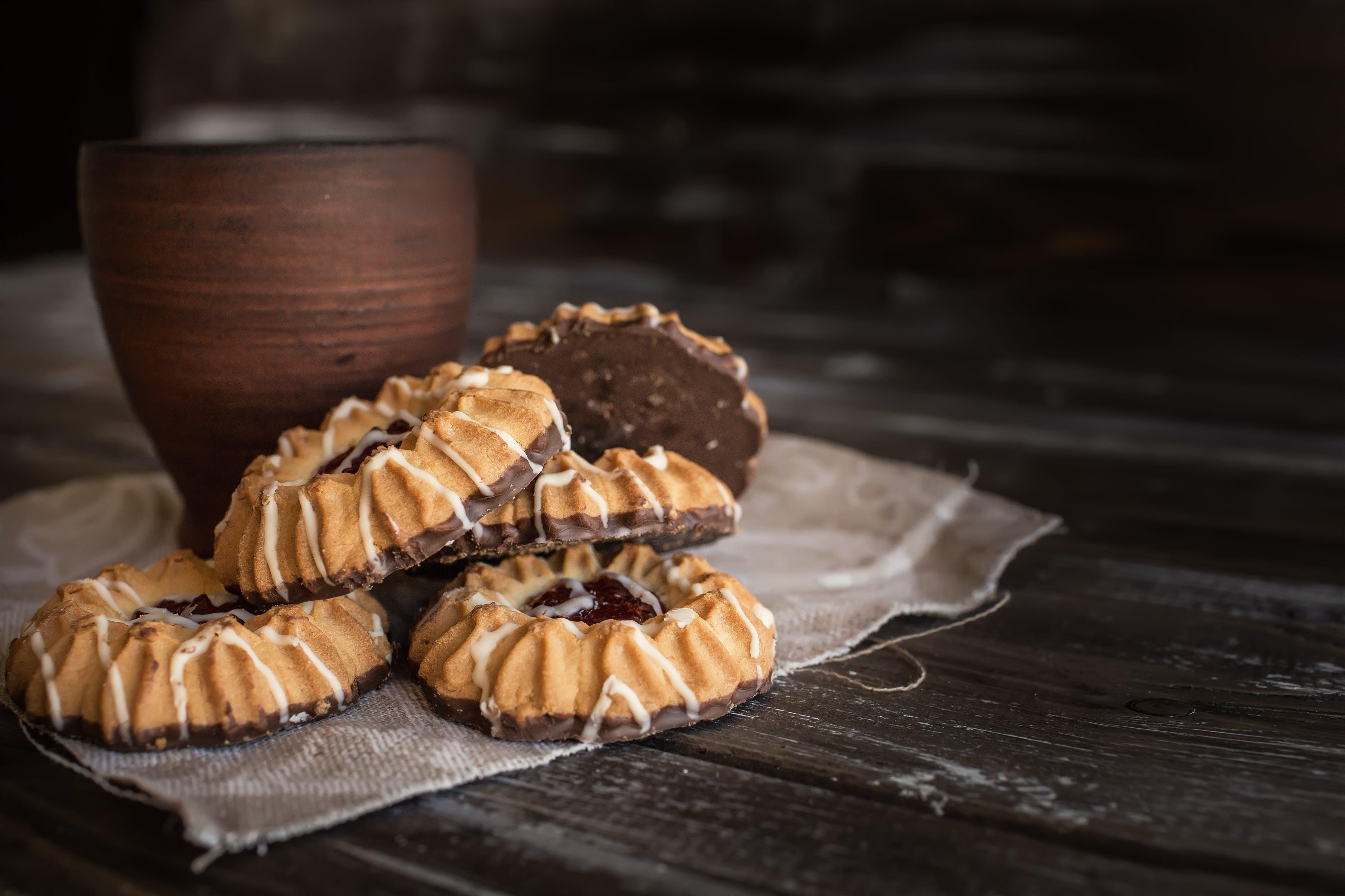 baked, black, brown