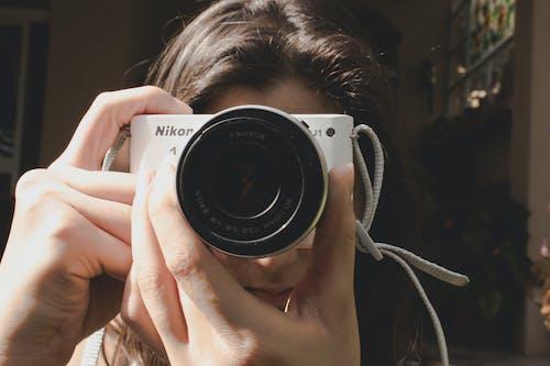 fotoğrafçılık, kamera, kız içeren Ücretsiz stok fotoğraf