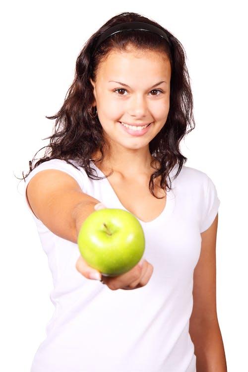 Gratis lagerfoto af æble, finger, frugt, grøn