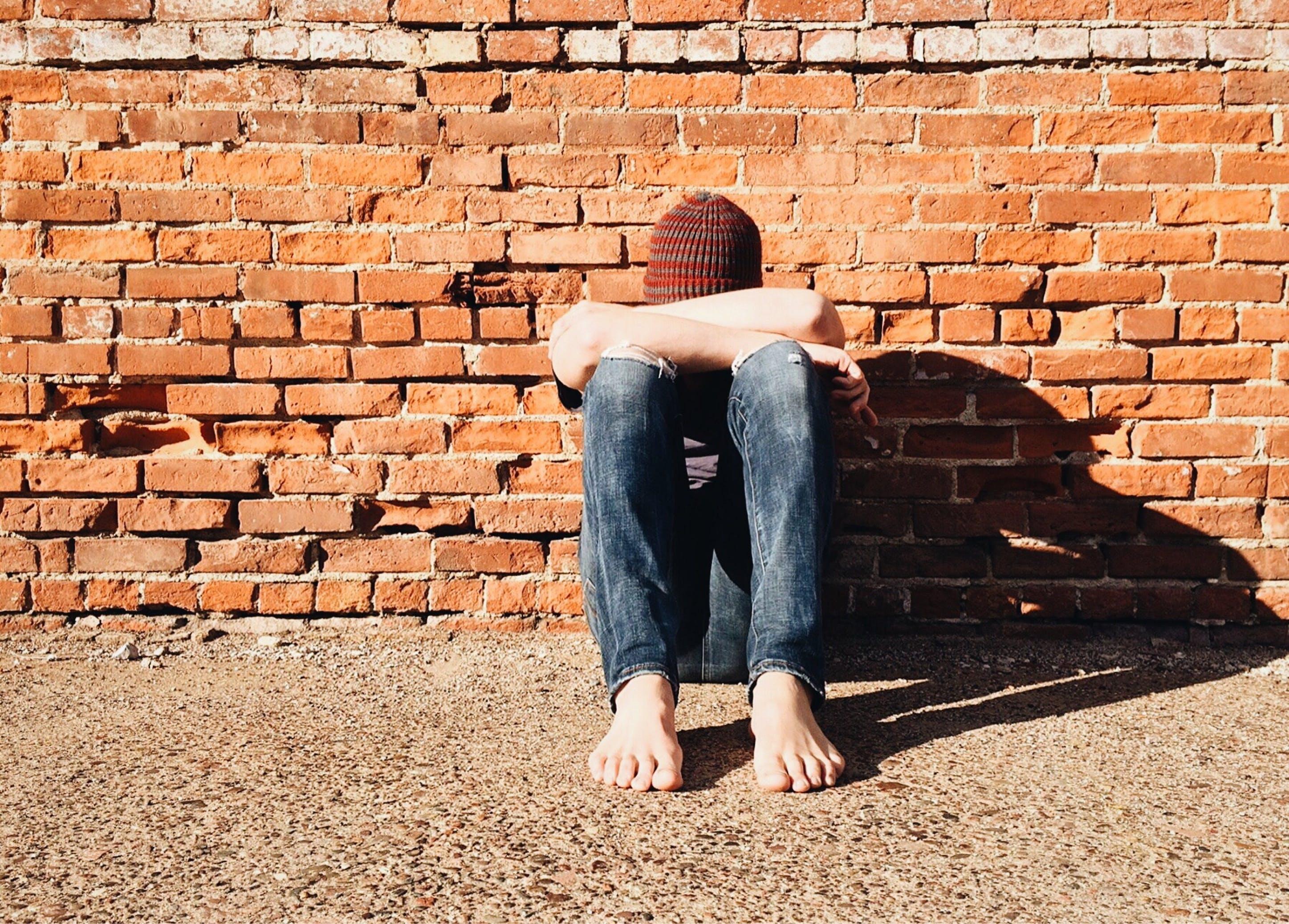 Kostenloses Stock Foto zu allein, beton, draußen, erwachsener