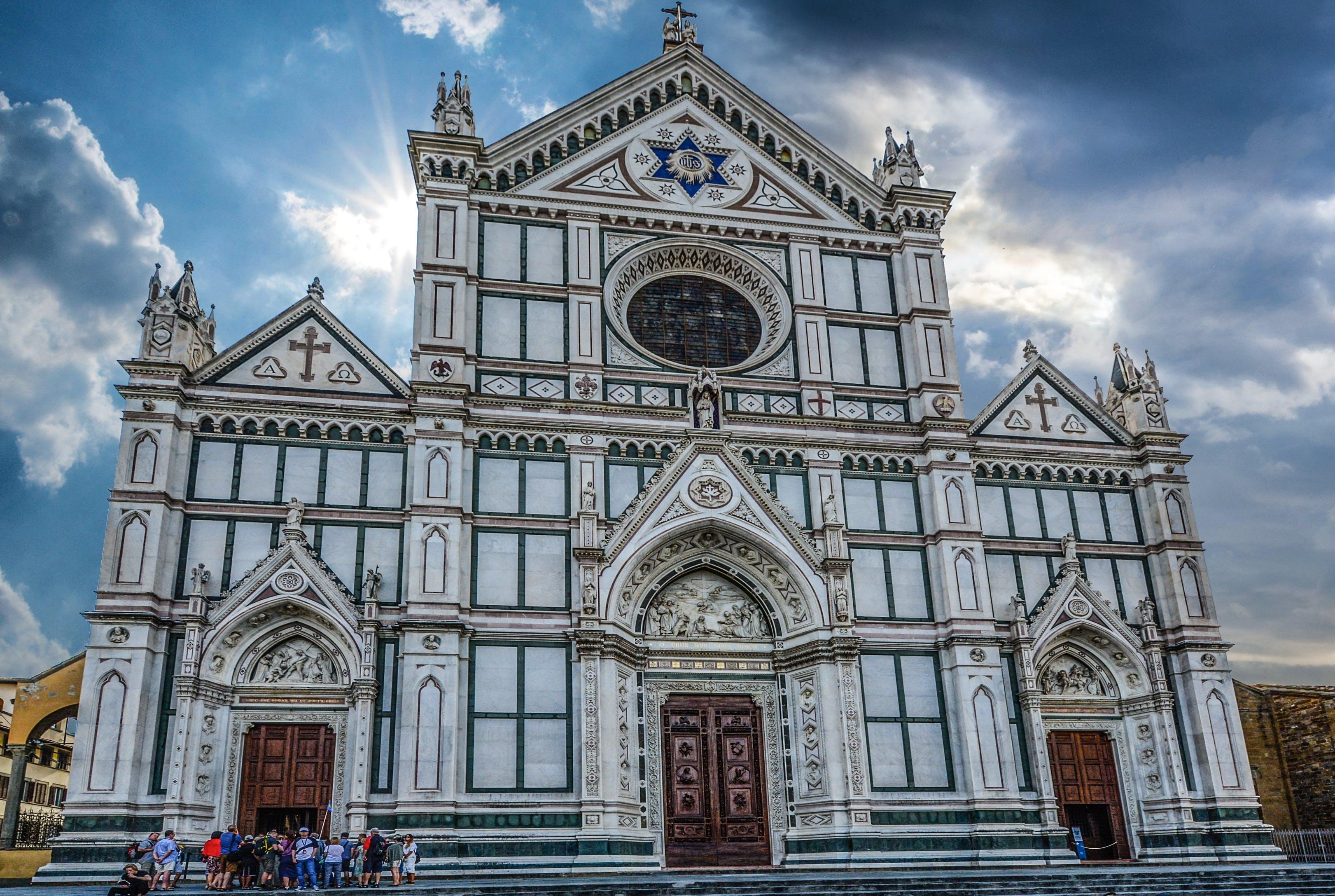 Ilmainen kuvapankkikuva tunnisteilla arkkitehtuuri, ihmiset, katedraali, kirkko