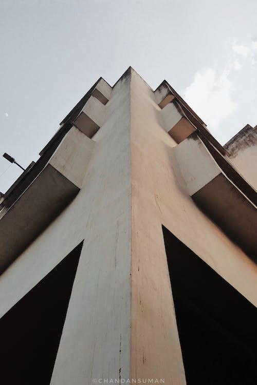 Foto profissional grátis de céu da cidade, chandan suman, edifício vermelho, fotografia de arquitetura