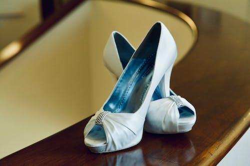 Foto stok gratis pernikahan, sepatu pernikahan, tumit