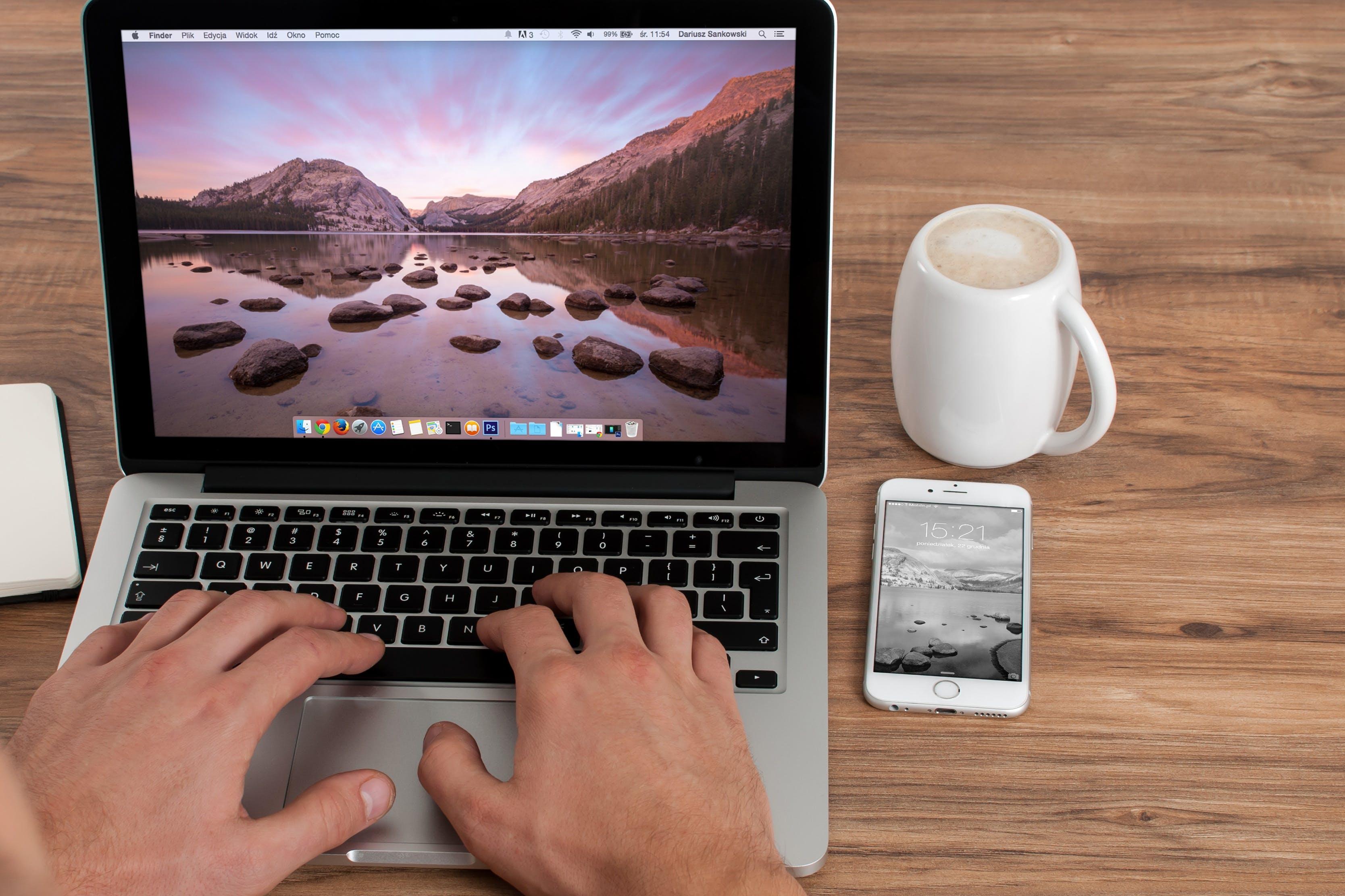 Kostenloses Stock Foto zu kaffee, tasse, becher, apfel