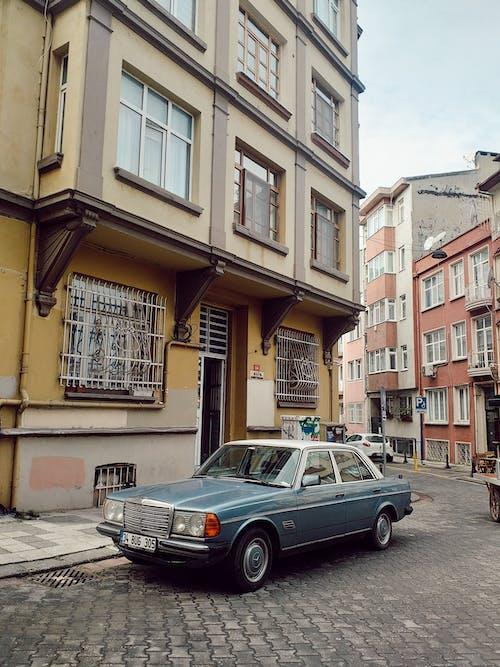 Ingyenes stockfotó öreg autó, város utca témában
