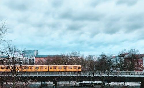 Δωρεάν στοκ φωτογραφιών με u-bahn, βερολινέζος, Βερολίνο, κίτρινη