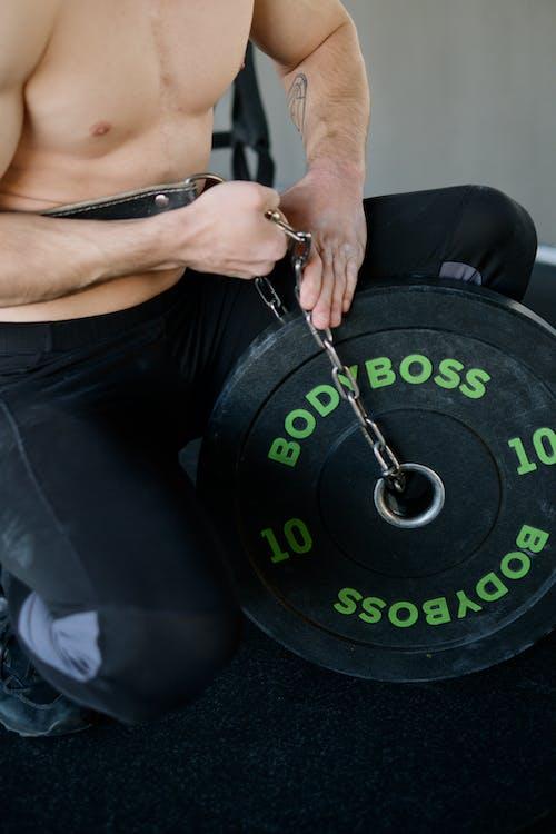 adam, ağırlık, ağırlık kaldırma içeren Ücretsiz stok fotoğraf