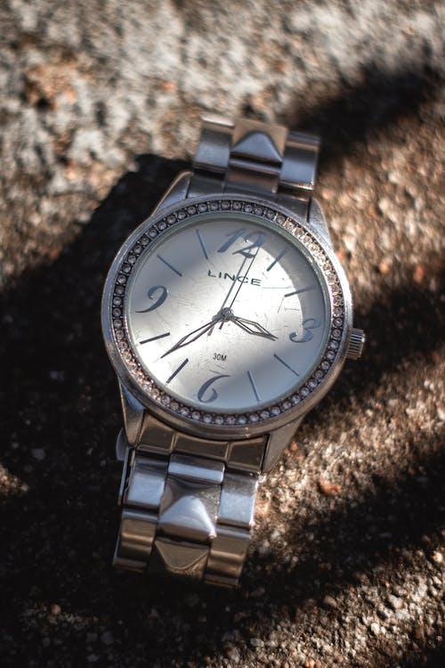 Gratis stockfoto met horloge, klok, wekker