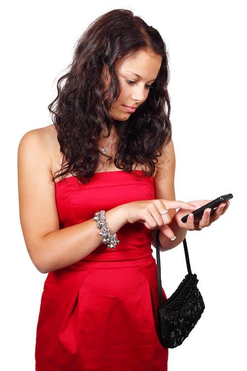 Fotos de stock gratuitas de bonito, enviando mensajes de texto, hembra, mono