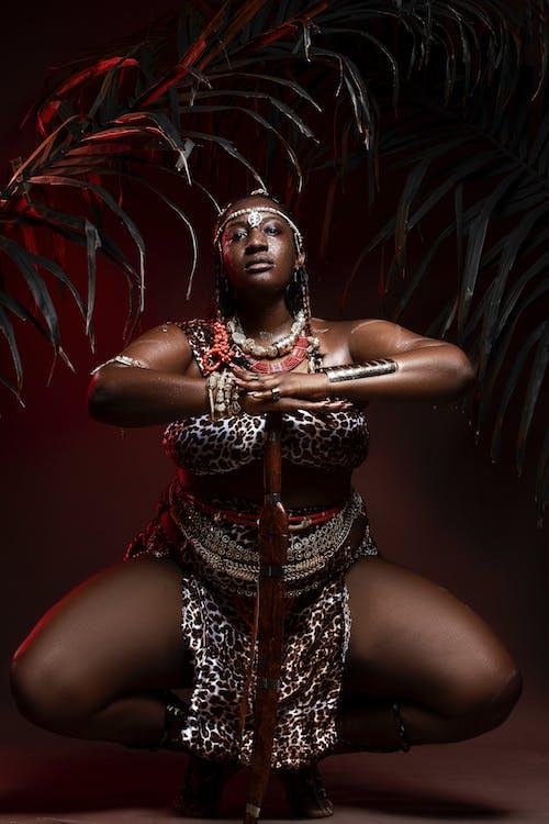 Gratis arkivbilde med afrikansk kvinne, armbånd, blot