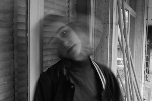 Foto profissional grátis de borrão de movimento, escala de cinza, monocromático