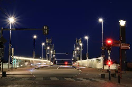 Kostenloses Stock Foto zu abend, autobahn, beleuchtet, beleuchtung