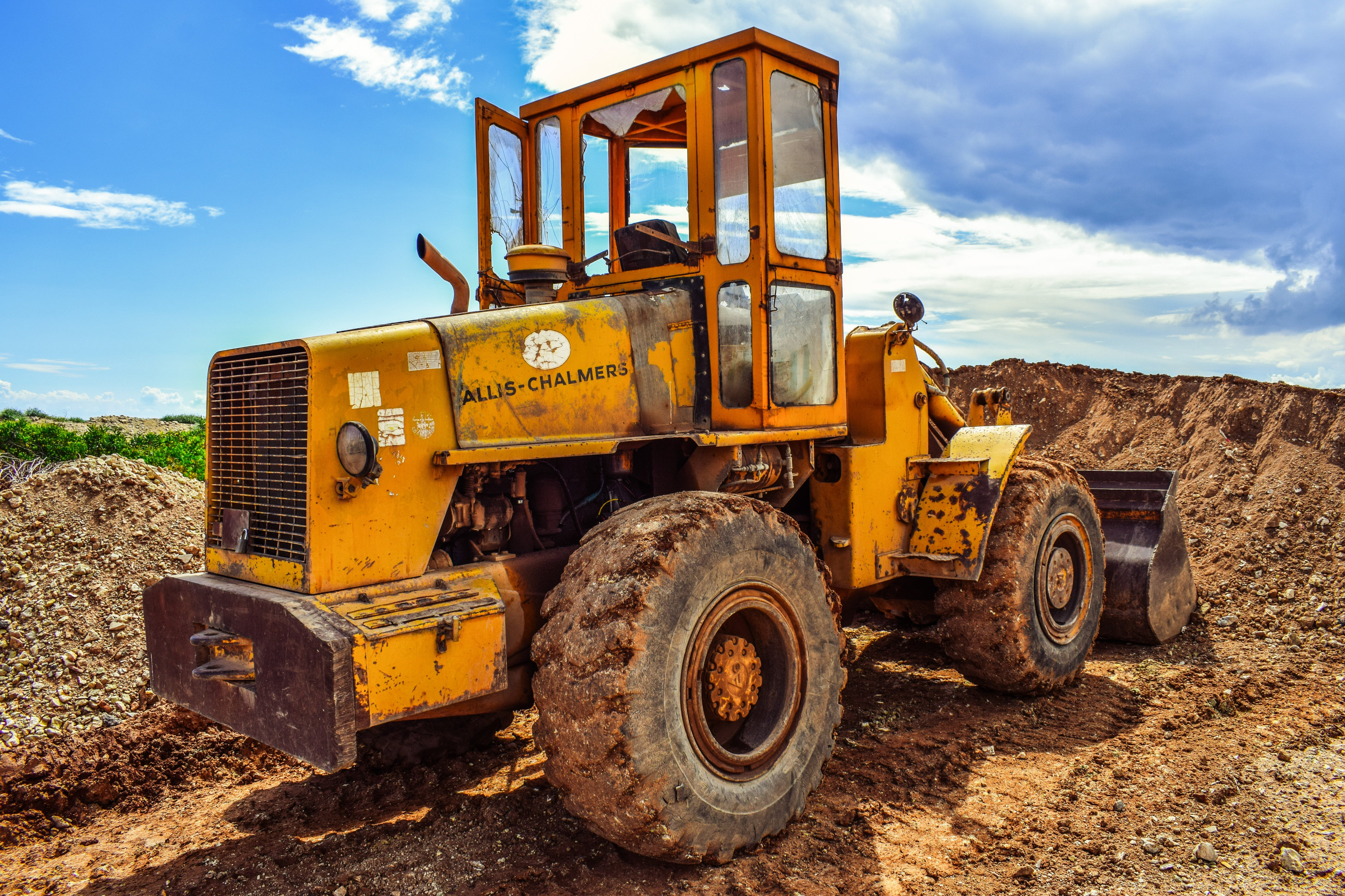 Free stock photo of yellow, excavator, wheels, machine