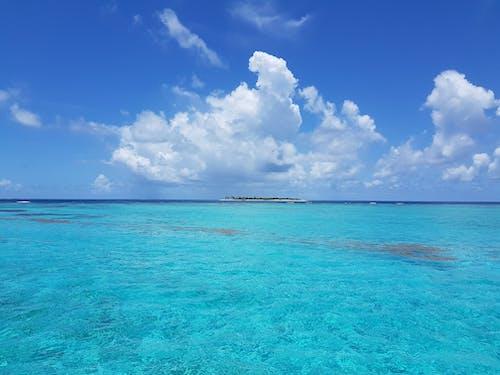 Kostenloses Stock Foto zu badeort, blauer himmel, erholung, ferien