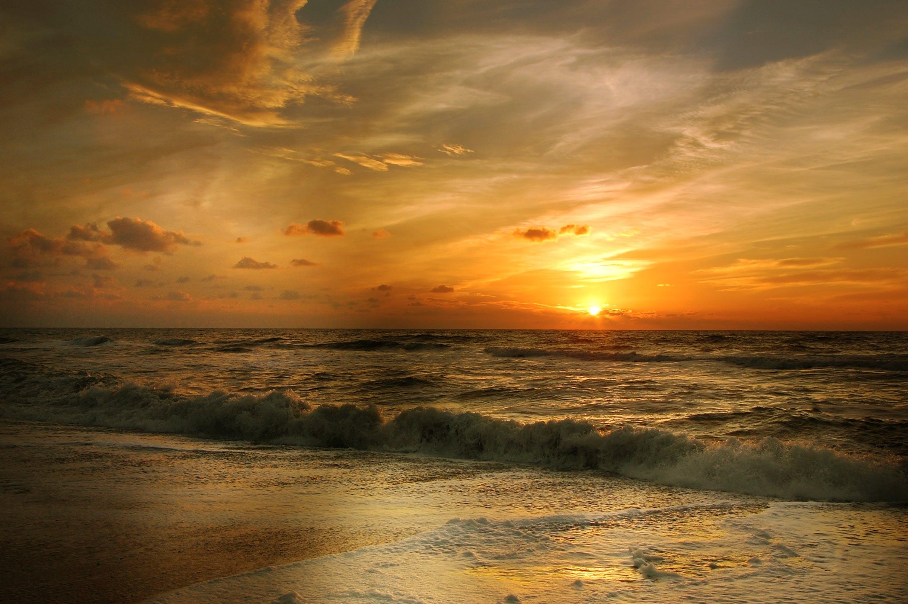 Foto d'estoc gratuïta de aigua, alba, bonic, capvespre